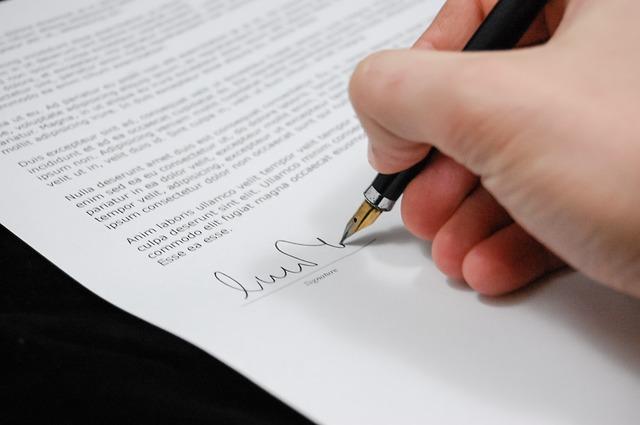 Pozor při podepisování smluv