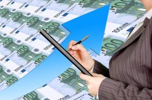 Scházejí vám před výplatou peníze? Skvělým řešením je půjčka do výplaty - první zdarma